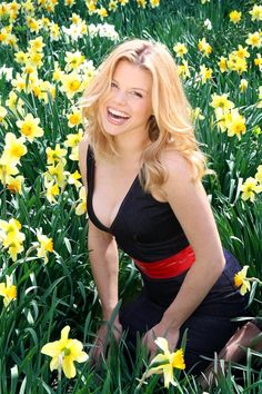 "Megan Hilty (from ""Smash"" - which I have never seen) - Is she a Buoyant Spring (DZ)?  Is she a Lively Bright (JK)?  Is she a Romantic (JK & DK)?  She reminds me a bit of myself 25 years ago and her coloring sure seems similar.  I think her eyes might be more blue and mine more green... but... I'm looking for a ""modern"" inspiration..."