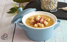 Zuppa di fave e zucca con speck Biscotti, Dog Food Recipes, Oatmeal, Breakfast, The Oatmeal, Morning Coffee, Rolled Oats, Morning Breakfast, Overnight Oatmeal