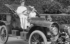 Llevar en la sangre la pasión por el motor, por el progreso, por la aventura y los viajes es cosa de todos desde la invención del primer coche.
