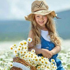 Mutlu olmak için sebepler üretin. Mesela; Gülümsemek gibi... #günaydın Gülen Yüzler ☺ #goodmorning #askmeclisicom #aşk #love #sevgi #mutluluk #happy #özlemek #kavuşmak #şiir #türkiye #istanbul #izmir #ankara #derttaş #edebiyat #hasret #melek #yunusemre #mevlana #şemsitebrizi #cemalsüreya #namıkkemal