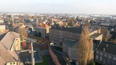 zicht op de Plankstraat en de academiezaal vanop de abdijtoren