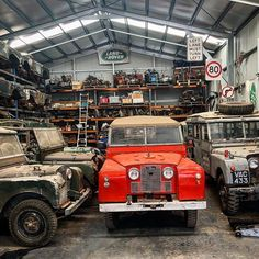 What a great photo of this poppy red land-rover series IIb in the middle of series I's! Defender 90, Land Rover Defender, Toy Trucks, Monster Trucks, Land Rover Serie 1, Landrover Range Rover, Avro Vulcan, Land Rover Models, Range Rover Classic