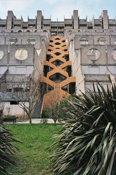 "paolomottadelli: ""Pic by Paolo Mottadelli "" Lavatrici building, Genova, Aldo Luigi Rizzo, 1982-89. View this on the map"