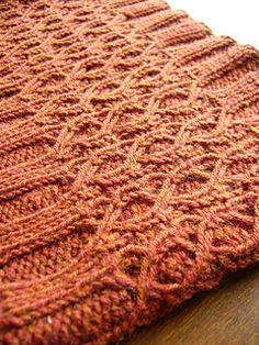 Free Cowl Pattern: The Autumn Stone by Reiko Kuwamura - Knit and Crochet - Awesome knitted and crocheted items and patterns. Knitting Stitches, Knitting Patterns Free, Knitting Yarn, Knit Patterns, Free Knitting, Free Pattern, Stitch Patterns, Knit Or Crochet, Crochet Scarves