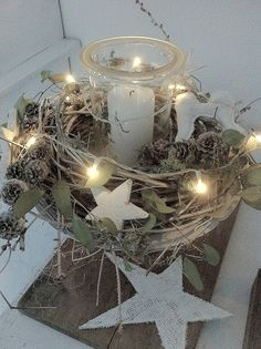 Beautiful lighting that every room is a Christmas story - Weihnachten - Decoration Natural Christmas, Noel Christmas, Christmas Candles, Christmas Centerpieces, A Christmas Story, Rustic Christmas, Xmas Decorations, Winter Christmas, Christmas Lights