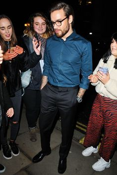 Liam 😍 arriving at the Party Poker Live charity event in London - His Jeans, Liam James, Charlie Puth, Charity Event, Liam Payne, Harry Styles, Handsome, The Incredibles, Singer