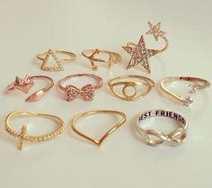 cute rings i want them lol Face Jewellery, Hand Jewelry, Cute Jewelry, Jewelry Accessories, Jewelry Rings, Jewlery, Fashion Rings, Fashion Jewelry, Accesorios Casual