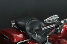 Used 2006 Harley-Davidson FLHT - Electra Glide Standard Motorcycles For Sale in Illinois,IL. 2006 Harley-Davidson FLHT - Electra Glide Standard, ENGINE GUARD!!!<br> <br> FLOOR BOARDS!!!<br> <br> HARD SADDLE BAGS!!!<br> <br> UPGRADED GRIPS!!!<br> <br> TINTED WINDSHIELD!!!<br> <br> HIGHWAY PEGS!!! <br /> <br /> 2006 Harley-Davidson® Electra Glide® Standard <p> You ll feel there s nothing else you could ever want. But that s never stopped us from giving you more like an air-adjustable…