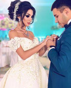 New Ideas Wedding Photography Muslim Beautiful Muslim Wedding Dresses, Formal Dresses For Weddings, Princess Wedding Dresses, Bridal Dresses, Wedding Gowns, Bridal Beauty, Wedding Beauty, Bridal Hair, Dream Wedding