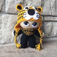 Tigre Fan Big Head Baby Doll par CreationsByMHaner sur Etsy