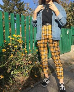 Style vintage outfits retro ideas for 2019 Retro Outfits, Vintage Outfits, Mode Outfits, Trendy Outfits, Girl Outfits, Fashion Outfits, Converse Fashion, Crazy Outfits, Fashion Weeks