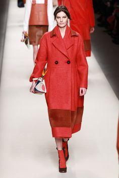 Pin for Later: Die 6 größten Trends aus Mailand  Fendi Herbst/Winter 2015