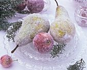 Sugared pears and apples on crystal glass plate Fruit Decorations, Christmas Decorations, Shabby Chic Christmas, Christmas Past, Centerpieces, Centerpiece Ideas, Breakfast, Pears, Bohemian Style
