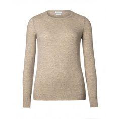 Maglia girocollo, a maniche lunghe, slim fit, in pura lana vergine. Collo, polsi e fondo busto in costina.1002D1261   BEIGE