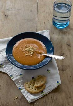 Vegan Creamy Tomato Soup Recipe with Slow Cooker and Instant Pot Instructions! It's creamy from cashews and oats! Vegan Tomato Soup, Tomato Soup Recipes, Vegan Soups, Vegan Dishes, Vegan Recipes, Vegan Food, Vegan Menu, Easy Recipes, Cooking Recipes