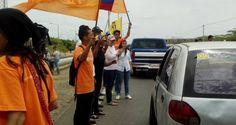 ¡PUEBLO VALIENTE! Intentaron detener a un joven opositor y los ciudadanos lo impidieron