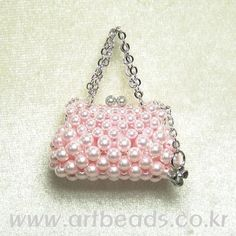 miniature purse charm in pink pearls ❤