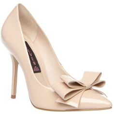 Steven by Steve Madden Ravesh Bow Pumps in nude Worn twice. Pretty good condition. One small nick on heel. Not noticeable when wearing. Will upload additional pictures shortly. Steven by Steve Madden Shoes Heels