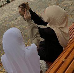 Hijab Hipster, Hijab Dp, Hijab Niqab, Mode Hijab, Cute Muslim Couples, Muslim Girls, Muslim Women, Hijabi Girl, Girl Hijab