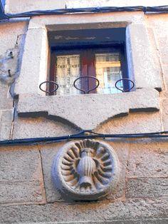 Motivo dintel puerta y dintel ventana.