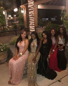 the littest pins - Prom Girl Dresses, Dresses Short, Prom Outfits, Homecoming Dresses, Formal Dresses, Prom Goals, Snapchat, Prom Queens, Black Prom