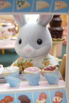 Sylvanian families on pinterest lilies blog and for Audrey bella chaise