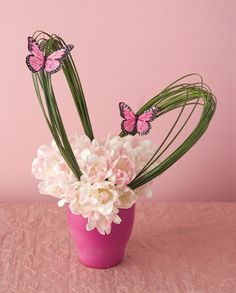 Simple elegant butterfly floral centrepiece