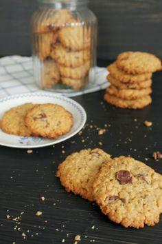 Leipomo: Suklaiset kauracookiesit