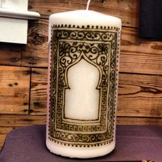 Window design henna candle