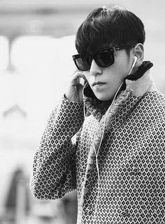 #TOP #Seunghyun #BIGBANG #airport #blackandwhite