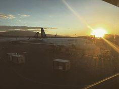 Sunsets, one of my favourites views, no matter where I am.  #sunset #light #travel #airport #travelgirl #travellover #reisen #plane #sky #nachmittag #flughafen #guadalajara #mexico #lovetotravel