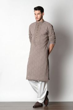 Puneetandnidhi Noida based designer of kurta concepts. Check out our latest collection of Sherwanies, Kurta, Achkan & Nehru Jacket ethnic concepts etc. Wedding Kurta For Men, Wedding Dresses Men Indian, Wedding Dress Men, Indian Men Fashion, Mens Fashion Wear, India Fashion Men, Fashion Suits, Fashion Dresses, Kurta Pajama Men
