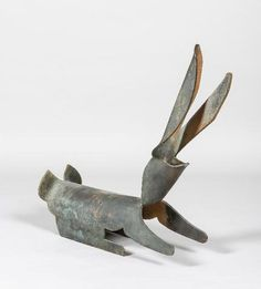 MARTEDINOS (né en 1974) Lapin Sculpture en bronze Haut. 70 cm Estimation 500 € - 800 € chez PESTEL-DEBORD le Jeudi 25 juin à 14h00 à PARIS