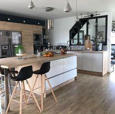 L'image contient peut-être : cuisine et intérieur Interior Design Living Room, Living Room Decor, House Decoration Items, Open Plan Kitchen Living Room, Pinterest Home, Kitchen Decor, Sweet Home, Home Decor, Design Moderne