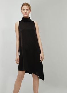 Vestido negro de cuello perkins