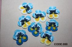 10 pcs Viola Flower. polymer clay flowers, flowers beads, viola beads. For making jewelry. For application. Code: 050 di FlowerClaySupplies su Etsy