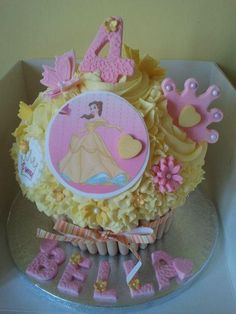 princess giant cupcake Big Cupcake, Giant Cupcake Cakes, Birthday Ideas, Birthday Cake, Princess Cakes, Decorated Cakes, Cake Ideas, Cake Decorating, Invitations
