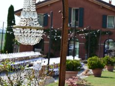 #chandelier #crystal #wedding #party #matrimonio#sposi #sposa #bride #groom #weddingplannerbologna #locationmatrimonibologna #cabiancadellabbdessa