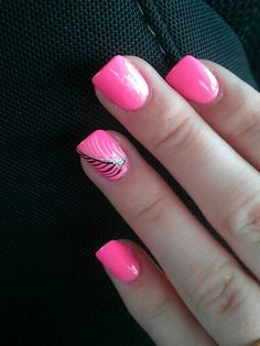 In love with my pink, feather nails :)