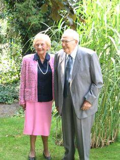 Fons Jans, Ex-voorzitter van SK Munsterbilzen en echtgenote Thresette Dekens bij de viering van hun diamanten bruiloft.
