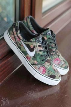 2014 pink & green Nike shoes, floral roses sneakers, Vans style