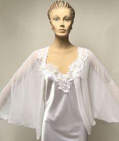 Flora Nikrooz Peignoir White Long Night Gown Jacket Wedding Lingerie Set Sz  S  FloraNikrooz Wedding 206c98bf3