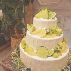 *Light House* とっても爽やかなウェディングケーキ。 レモン、ライム、洋ナシ、メロン、キウイ グリーンとイエローのフルーツのみで...♡ #TRUNKBYSHOTOGALLERY #wedding #weddingtbt #weddingcake #fruit #結婚式 #結婚式準備中 #結婚式準備 #ウェディングケーキ #ウェディングフォト #ファーストバイト #ケーキ入刀 #フルーツ #爽やか #生ケーキ #プレ花嫁 #卒花 #takeandgiveneeds #テイクアンドギヴニーズ #2016秋婚 #2017春婚 #スイーツ