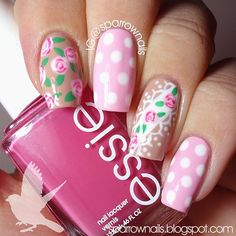Solo shot of my #bestietwinnails with @followthatway! Roses inspired by one of her old manis. :)