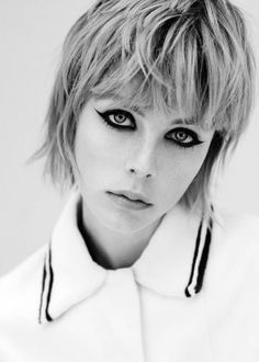 Edie Campbell - Page 59 - the Fashion Spot Simply Hairstyles, Short Hairstyles For Women, Vintage Hairstyles, Short Punk Hair, Short Hair Cuts, Short Hair Styles, Eddie Campbell, Mullet Hairstyle, Mid Length Hair