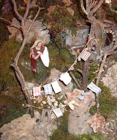 Antonia Tomás's Nativity Scene, a tradition in Mallorca Christmas Nativity Scene, Christmas Crafts, Xmas, Nativity Scenes, Fontanini Nativity, Winter Painting, Fairy Garden Houses, Christmas Table Decorations, Miniature Houses