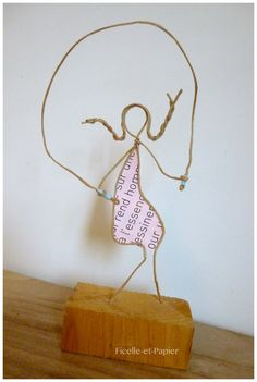 Married decor gift idea - figurines in Twine and paper - wedding - wedding cake topper paper wire sculpture decoration gift table - Book Crafts, Arts And Crafts, Sculptures Sur Fil, Wire Art Sculpture, Copper Art, Paper Birds, Gift Table, Stick Figures, Wire Crafts