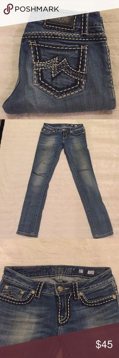 Miss Me Skinny Jeans🌟 Miss Me Skinny Jeans in excellent condition, inseam is 31, thanks for looking 😊 Miss Me Jeans Skinny