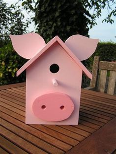 We raised pigs, goats, cows, and horses growing up at our ranch/farm. This Little Piggy, Little Pigs, Pig Crafts, Pig Pen, Piggly Wiggly, Mini Pigs, Cute Piggies, Flying Pig, Bird Houses