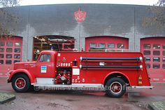 Blusauto.Old INternational  V-Series fire truck.Very certain about that fact